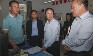 延安职业技术学院党委书记呼世杰调研学院辅导员工作室建设