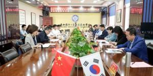陕西国防职院与韩国国立群山大学举办合作签约暨教学站揭牌仪式