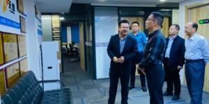 西安石油大学党委副书记雷西合带队走访校友企业