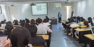 西安欧亚学院召开线上线下混合式教学模式设计与实施专题报告