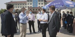 灞桥区委副书记邹晓刚带队指导西安思源学院学生返校复学工作