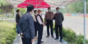 陕西省副省长方光华来到西京学院调研指导开学前疫情防控工作