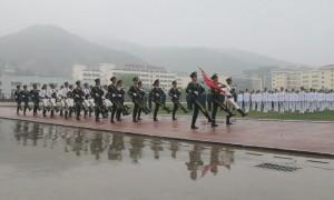 向国旗敬礼!延安职业技术学院举行春季学生返校复课升国旗仪式