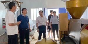 西安石油大学校长李天太赴永寿县永平镇坚固村开展精准扶贫调研
