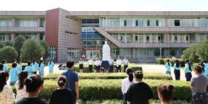 陈鹤琴雕像在咸阳职业技术学院落成