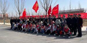 渭南师范学院党委书记卓宇、校长赵曼参加学校春季校园植树活动